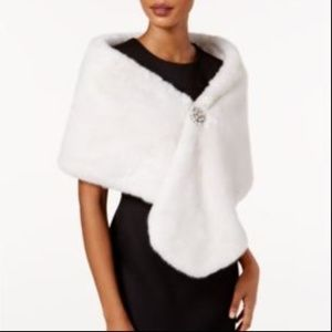 Adrianna Papell Faux-Fur Embellished Shawl Ivory